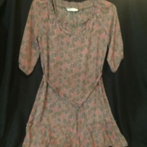 OLD NAVY SHEAR FLORAL DRESS SIZE SMALL